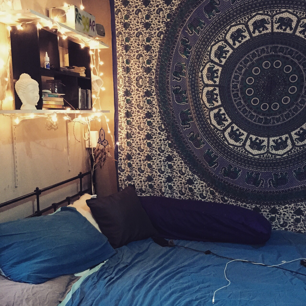 Blue hippie floral mandala tapestry bedspread bed cover - Wall hangings for bedroom ...