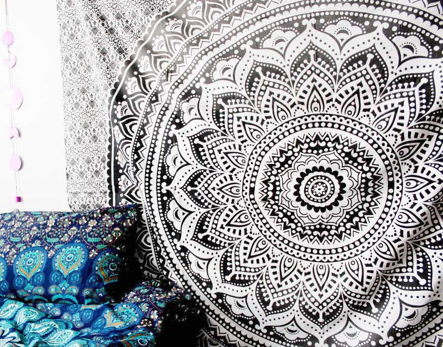 Grey Black Floral Ombre Medallion Tapestry Bedding Throw
